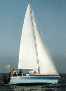 Zeilen met huurboot waarschip Altair op het IJsselmeer met IJsselmeerzeilers
